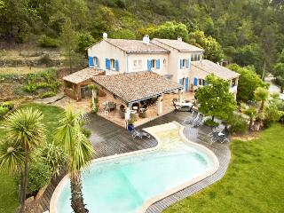 83.935 - Large villa with ...