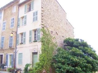 83.324 - Charming village ..., Callas