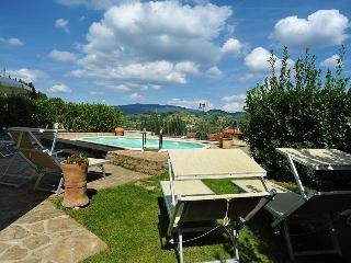 I5.116 - Villa with pool i...