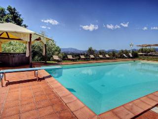 I5.504 - Villa with pool n...