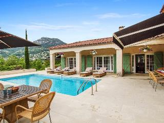 06.740 - Pool villa in La ...