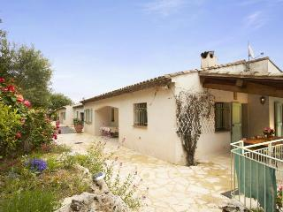 06.395 - Villa in Gattiere...