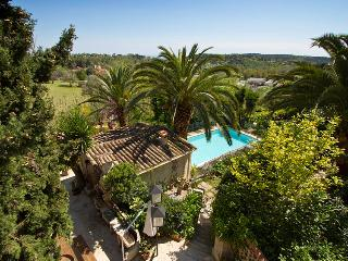 06.320 - Villa with pool i..., Vence