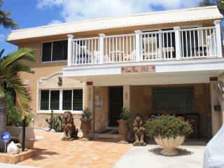Casa Mia Beach House Ocean 100 Ft., Deerfield Beach