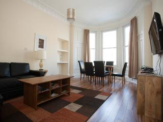 Charming 3 bedroom central apartment, Edinburgh