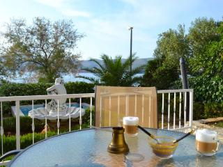 Seaside Oasis 2BR BEACHFRONT Apt with Kids Pool - BEST LOCATION on Ciovo Island
