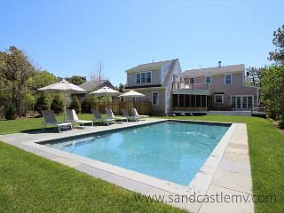 Beautiful Katama Home with Pool