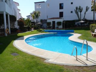 Spacious 2 Bedroom 2 Bathroom Apartment near Puerto Banus with 24Hours security.