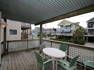 Klutz -  Enjoy your vacation at this centrally located condo in Beach Haven, Wrightsville Beach