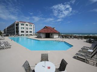 DR 1110 - Wonderful first floor spacious oceanfront condo near the pool, Wrightsville Beach