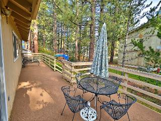 Charming 3BR Tahoe Home, Prime Location – 1 Block to Regan Beach