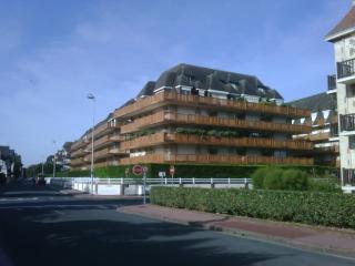 DEAUVILLE- RÉSIDENCE LA SEIGNEURIE - 5mn de la MER, Deauville