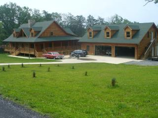 Log Home in Luray ...near Luray Caverns/Skyline Dr