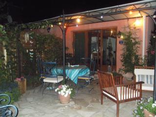 gîte de charme avec jardin, Vers-Pont-du-Gard