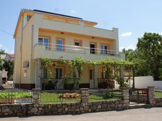 Apartments Rudy (2+2)  app1, Jadranovo
