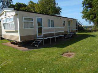 Blue anchor Hoburne 6 berth caravan for let, Minehead