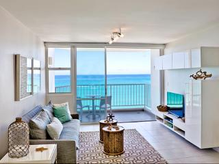 Breathtaking View. **New** A Beachfront Gem