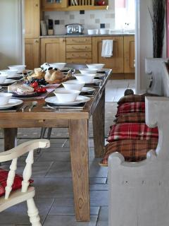 Rural retreat north Wales - dining room