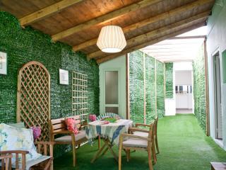GREEN SUPERB APARTMENT-relaxing–green-peaceful, Glyfada