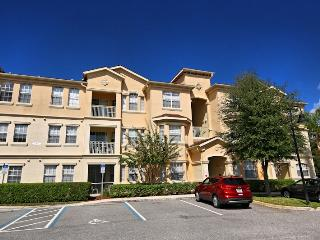 Clean & spacious 3/2 condo near Disney, Davenport