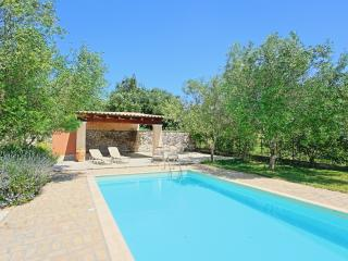 Villa Cleopatra with pool close to Corfu Town