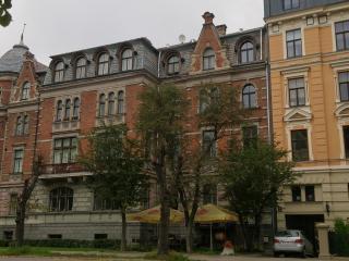 Fresh cozy studio in Embassy area!, Riga