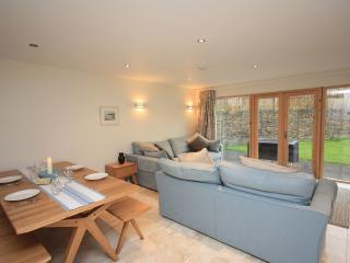 House 1 - Relax and enjoy this lovely home situated within a fabulous family com