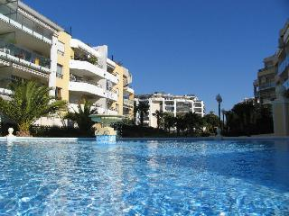 beachfront apartment with pool near Nice and antib, Cagnes-sur-Mer