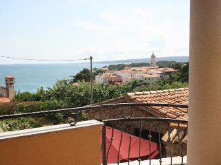 Apartment Marija 4+1 with a Sea view, Krk