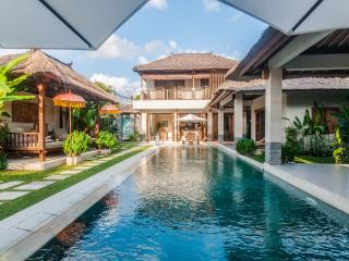 Villa Ikobana Near Canggu Club & Sunset Beach, Seminyak