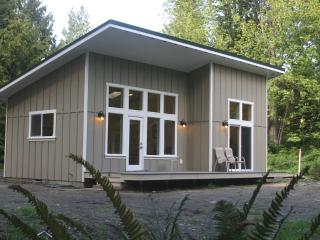New Waterfront Cabin near Olympic National Park, Port Angeles