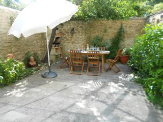 maison intra muros avec jardin 2 chambres