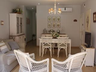 Bonito apartamento a 50 mts. del mar con terraza, El Perelló