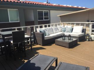 ON THE BEACH! JAN AND FEB REDUCED RATES!!!, Manhattan Beach