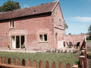 Glebe Farm Holiday Cottages - Carriage Barn, Frettenham