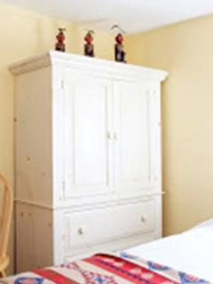 Armoire for haning and storing clothes
