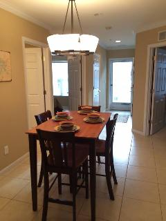 Open area for dining table