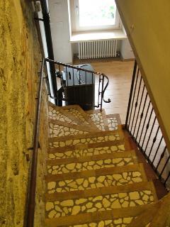 Particolare la scala di accesso alle camere