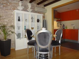 NEW! GOTICO, LUXURY, 2 BEDROOMs, LEVEL 5*, Barcelona