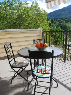 Victoria Suite:  Outdoor Dining Furniture