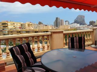 Apartamento con amplia terraza, playa a 150 m - mucahome1