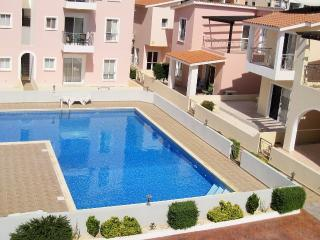 Holiday APARTMENT Paphos 2 BEDROOMS, WI-FI, Pool