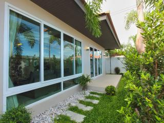 The Ville Jomtien Pool Villa Grande 3 Bed (A92), Pattaya