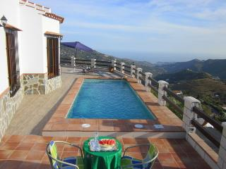 Villa Jarana, piscina y vistas al mar, Cómpeta