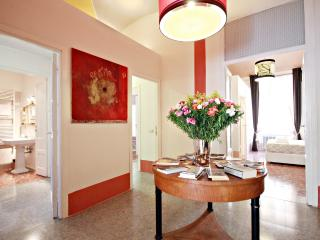 Visconti Suite- Beautiful Apartment up to 9 people, Roma