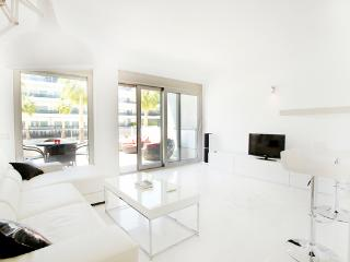 luxury front line playa den bossa apartment, Playa d'en Bossa