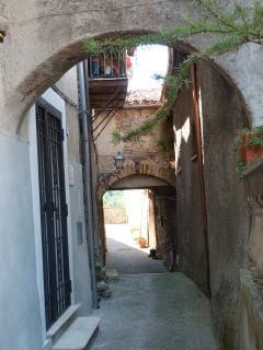 The arches on Via delle Scalette (no cars, no noise)