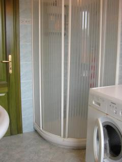 Bathroom with washing machine, first floor
