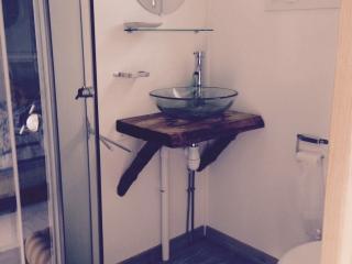Bungalow de 16 m2 aménagé dans domaine privatif, Saint-Denis