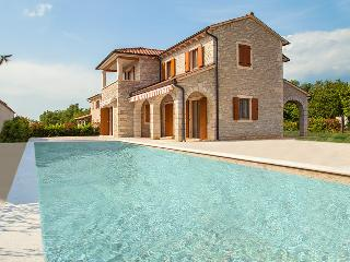 Villa Begonia, private with large swimming pool